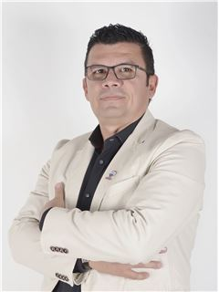 Agente Inmobiliario - Javier Arturo Angulo Beltrán - RE/MAX Top Inmobiliaria