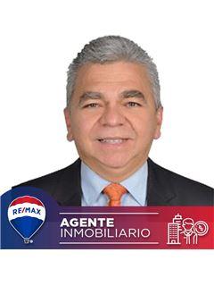 Agente Inmobiliario - Arturo Mateus Bravo - RE/MAX Conecta