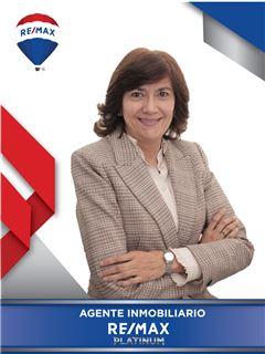 Agente Inmobiliario - Claudia Luz Garavito Fernandez - RE/MAX Platinum