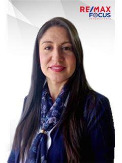 Agente Inmobiliario - Ana Sirley Arévalo Cabrera - RE/MAX Focus