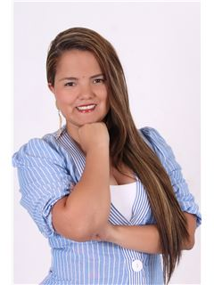 Agente Inmobiliario - Luisa Fernanda Velez Villarraga - RE/MAX Central I