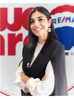 Associate in Training - Gina Alejandra Soler Moran - RE/MAX Millennium