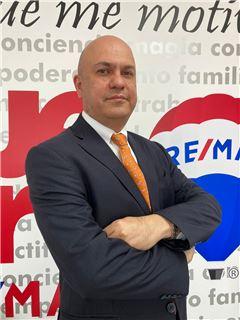 Assistente in formazione - Alberto Wilson Estevez Delgado - RE/MAX Millennium