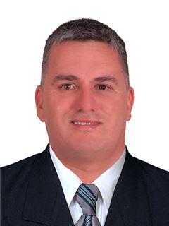 Agente Inmobiliario - Diego Fernando Rojas Bedoya - RE/MAX Centro Inmobiliario