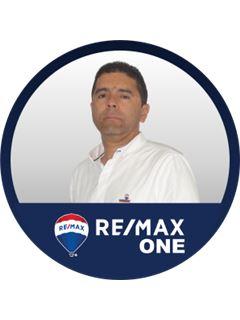 Agente Inmobiliario - Luis Fernando Villalba Toro - RE/MAX One