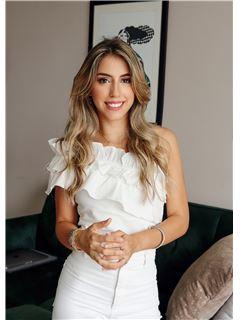 Agente Inmobiliario - Isabella Otálora Hernández - RE/MAX Top Inmobiliaria