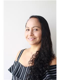 Agente Inmobiliario - Yulieth Galindo Rodriguez - RE/MAX Top Inmobiliaria