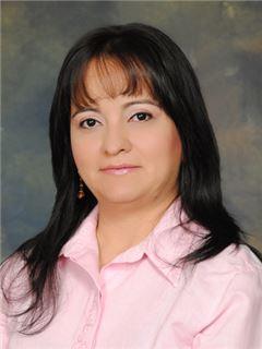 Agente Inmobiliario - Cecilia Mercedes Agudelo Viña - RE/MAX Nova