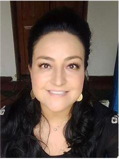 Agente Inmobiliario - Dolly Alexandra Ramirez Perez - RE/MAX Focus