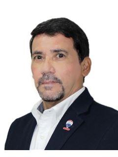 Alberto Mora Rojas - RE/MAX Focus