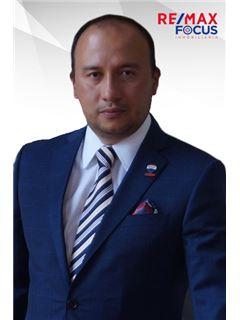 Agente Inmobiliario - Carlos Andres Salamanca Carrillo - RE/MAX Focus