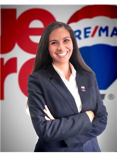Associate in Training - Soriella Melizza Jiménez Montañez - RE/MAX Millennium
