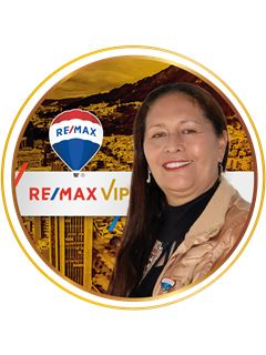 Elizabeth Orozco Casallas - RE/MAX VIP