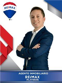 Manager de Equipo - Juan Camilo Moreno Santos - RE/MAX Platinum