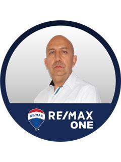 Agente Inmobiliario - Alexander Padilla Piñeros - RE/MAX One