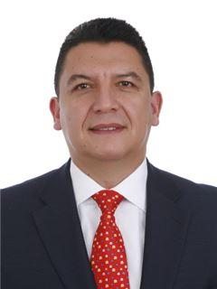 Agente Inmobiliario - Cesar Orlando Báron Reátiga - RE/MAX Planet