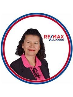 Agente Inmobiliario - María Celeny Mora Martínez - RE/MAX Alliance