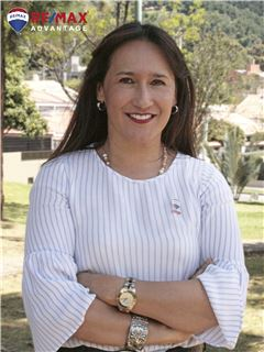 Team Manager - Angela Maria Carrillo Nieto - RE/MAX Advantage