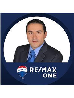 Agente Inmobiliario - Fredy Rocha Quesada - RE/MAX One