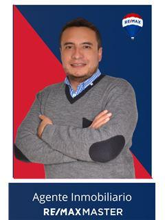 営業 (試用期間中) - Fredy Maximino Mejia Carvajal - RE/MAX Master