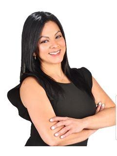 Agente Inmobiliario - Carol Massiel De la Hoz Almarza - RE/MAX Expertos