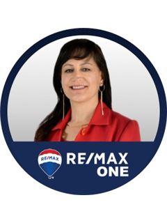 Associate in Training - Consuelo Castellanos Quiroga - RE/MAX One