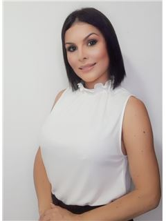 Agente Inmobiliario - Desiree Sousire Rodríguez Matute - RE/MAX Top Inmobiliaria