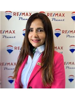 Associate in Training - Martha Morales Suarez - RE/MAX Planet