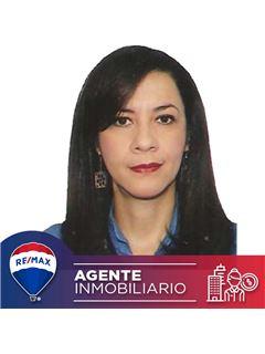 Agente Inmobiliario - Claudia Maria Josefina Ecury Perdomo - RE/MAX Conecta