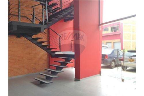 Escaleras - fachada interior