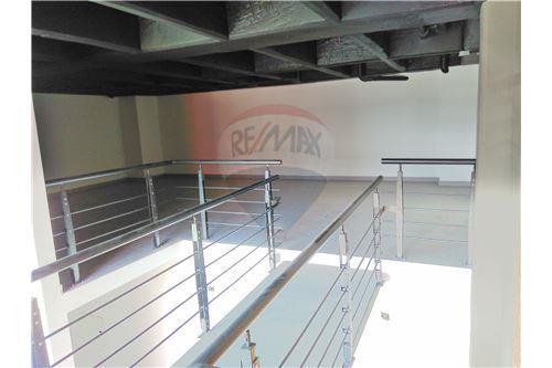 Showroom - Mezanine