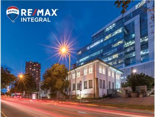 Office of RE/MAX Integral - Usaquén