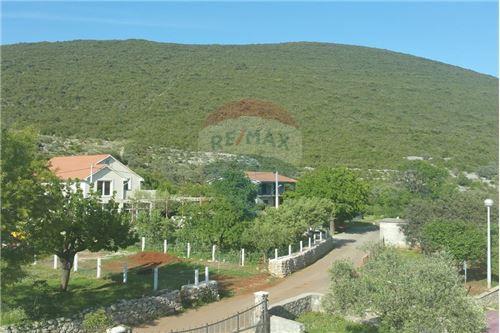 Villa - For Sale - Herceg-Novi Herceg-Novi Montenegro - 38 - 700011007-180