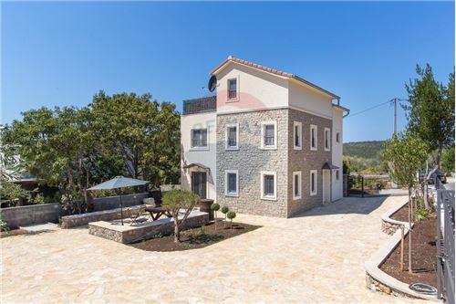 Villa - For Sale - Herceg-Novi Herceg-Novi Montenegro - 35 - 700011007-180