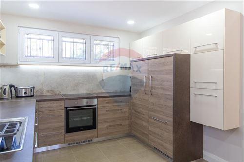 Villa - For Sale - Herceg-Novi Herceg-Novi Montenegro - 11 - 700011007-180