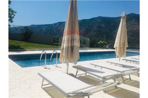 Condo/Apartment - For Sale - Dobrota Kotor Montenegro - 48 - 700011011-155