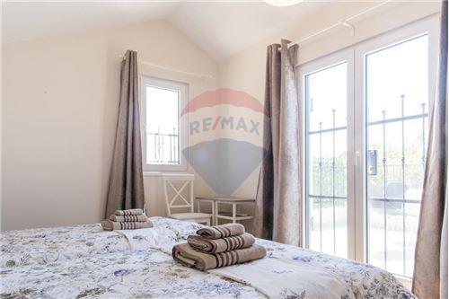 Villa - For Sale - Herceg-Novi Herceg-Novi Montenegro - 17 - 700011007-180