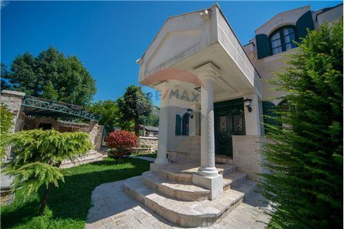 Villa - For Sale - Cetinje Cetinje Montenegro - 4 - 700011001-1678