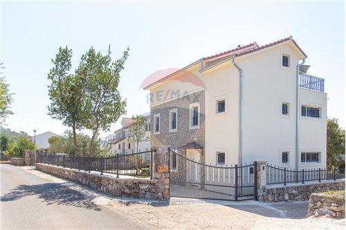 Villa - For Sale - Herceg-Novi Herceg-Novi Montenegro - 36 - 700011007-180