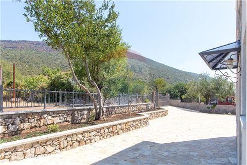 Villa - For Sale - Herceg-Novi Herceg-Novi Montenegro - 34 - 700011007-180
