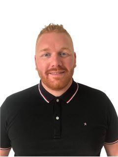 Associate in Training - Quentin LEONARD - RE/MAX IMMOD