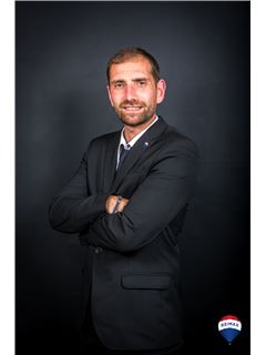 Office Staff - Mathieu Lemaire - RE/MAX YOURTEAM 2