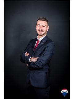 Associate in Training - Romain Sauzay - RE/MAX YOURTEAM 2