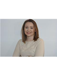 Associate in Training - Emmanuelle Coquelle - RE/MAX Immogp