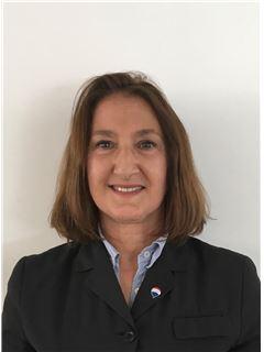 Agent  in Training - Myriam Kali-Kusic - RE/MAX Initial