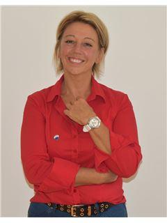 Associate - Martine Thiolet Hyvernat - RE/MAX ImmoCalade