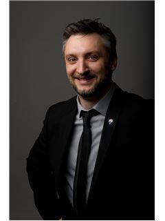 Associate in Training - LORPHELIN Aurélien - RE/MAX Immofrontiere