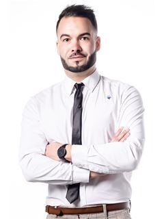 Associate in Training - Antoine Noyelle - RE/MAX Platinium