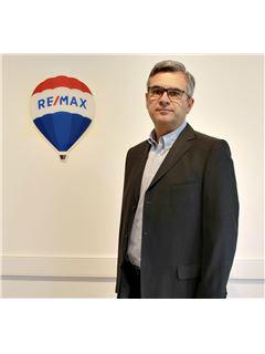 Agent - Bernard DE LA BROSSE - RE/MAX ImmoPlus