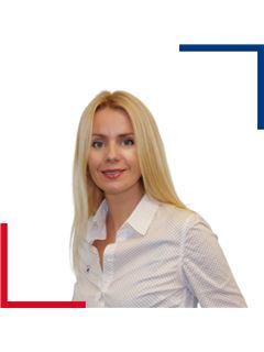 Associate in Training - Nataliia HUMBERT - RE/MAX Azur Signature